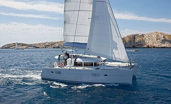 Lagoon 400 catamaran charter in Croatia